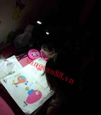 Đèn led đọc sách mini