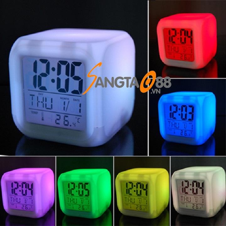 đồng hồ để bàn phát sáng đổi màu