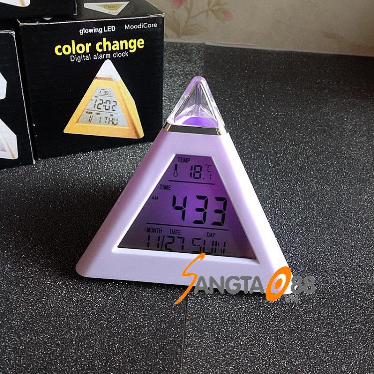 Đồng hồ đổi màu Kim Tự Tháp