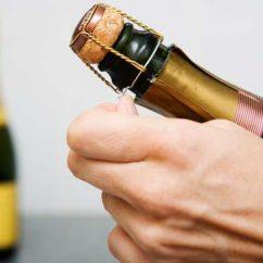 bảo quản rượu vang sau khi mở nắp